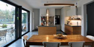 cucina su misura legno e cemento