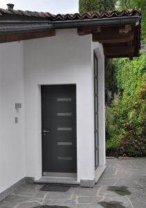 Porta d'entrata grigio, moderna, sicura