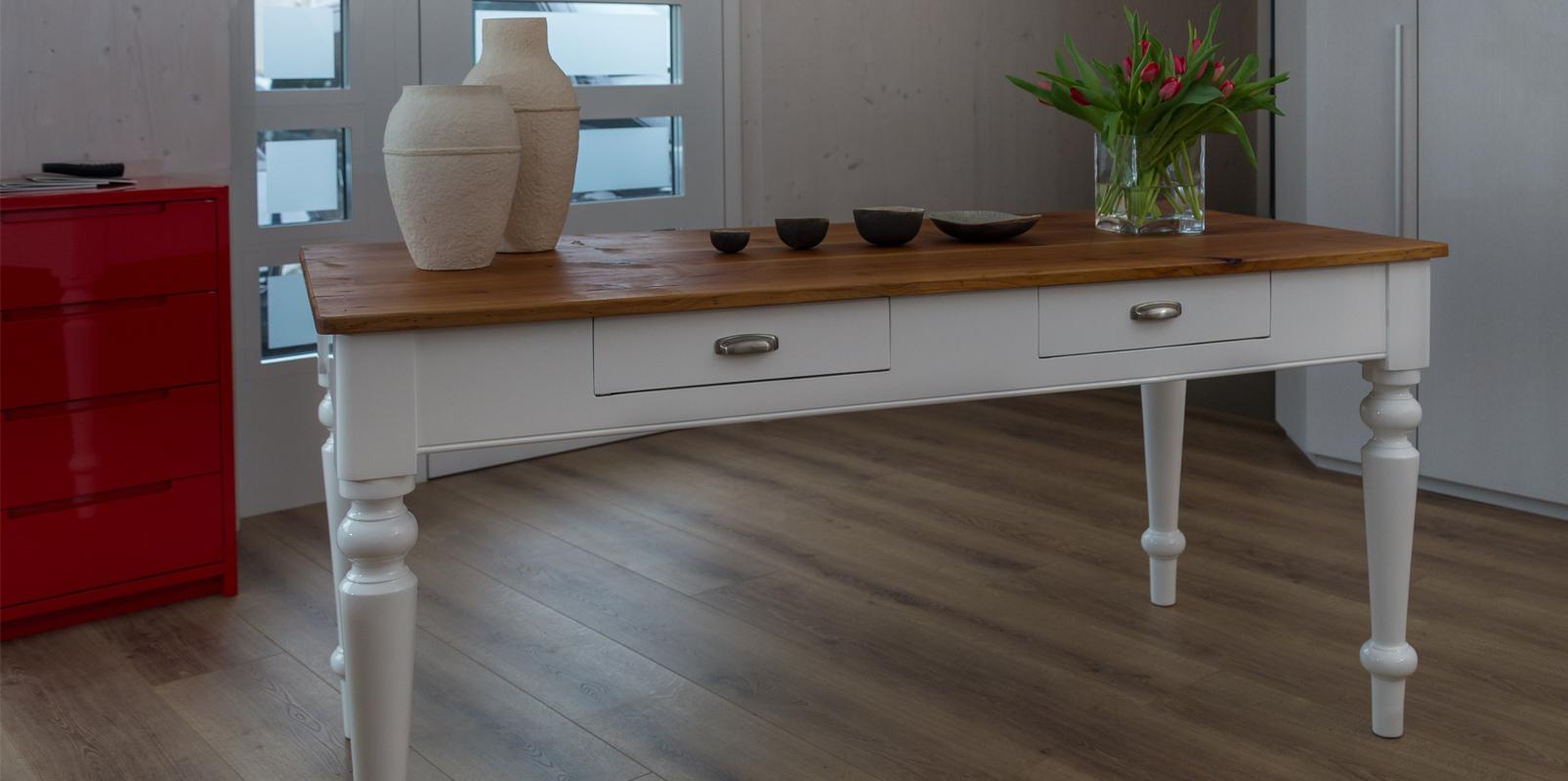 Renovierter Tisch